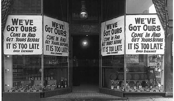 Keystone Liquor Company signs at start of Prohibition, Seattle, ca. 1916. (Credit: MOHAI)