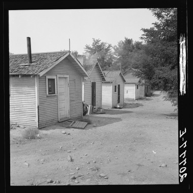 August 1939: Washington, Yakima shacktown, (Sumac Park) is one of several large shacktown communities around Yakima. (Dorothea Lange/Farm Security Administration)
